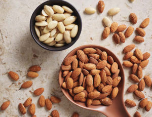 how to eat almonds to reduce cholesterol
